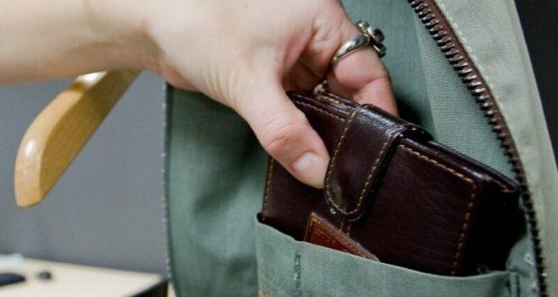 В Симферополе задержали карманницу из Ростовской области. Промышляла на рынке