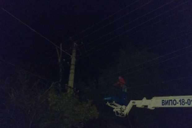 В Симферополе ликвидируют последствия урагана