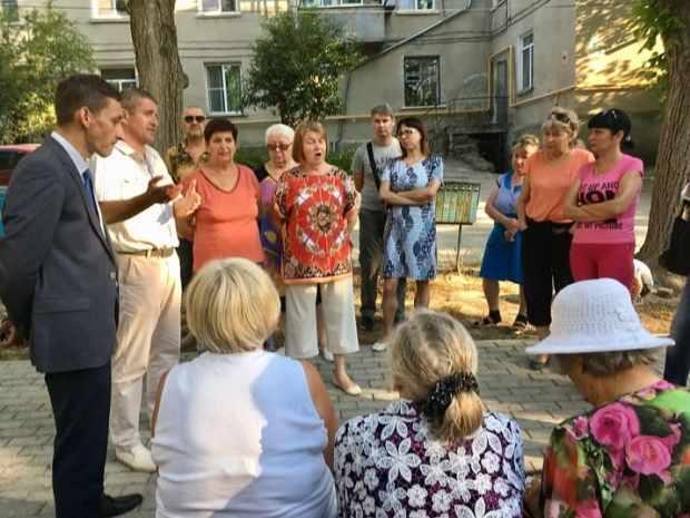 Плановый выездной прием балаклавского депутата Дмитрия Голикова стал «скорой юридической помощью»