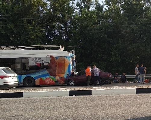 Смертельное ДТП в п. Богдановка: ВАЗ врезался в троллейбус