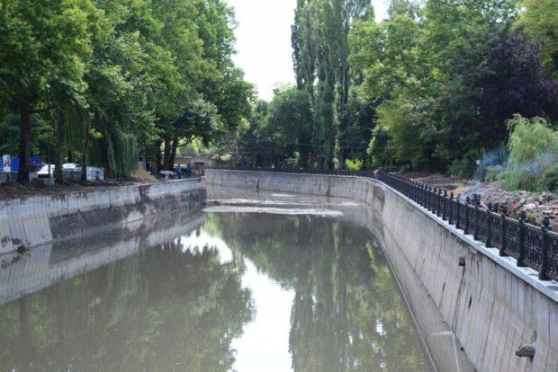 В Симферополе русло реки Салгир очищено от грунта и ила на 90%
