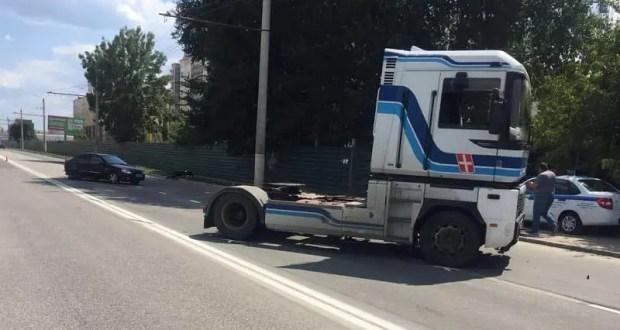 ДТП на выезде из Симферополя в сторону Евпатории: водитель грузовика «не рассчитал» полосы движения