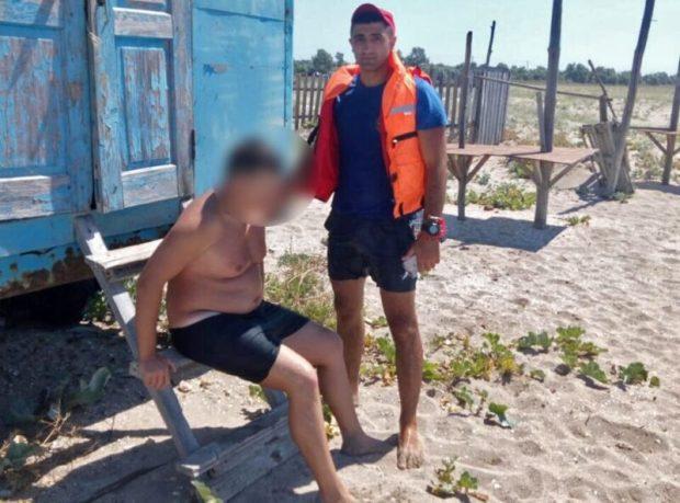На восточном побережье Крыма едва не унесло в море туриста из Москвы