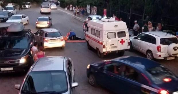 В южнобережном поселке Кореиз пешеход попал под колеса «Скорой помощи»