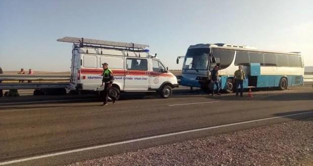 ДТП на трассе «Таврида»: столкнулись автобус и микроавтобус