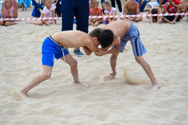 В Евпатории состоялся турнир по крымскотатарской борьбе куреш