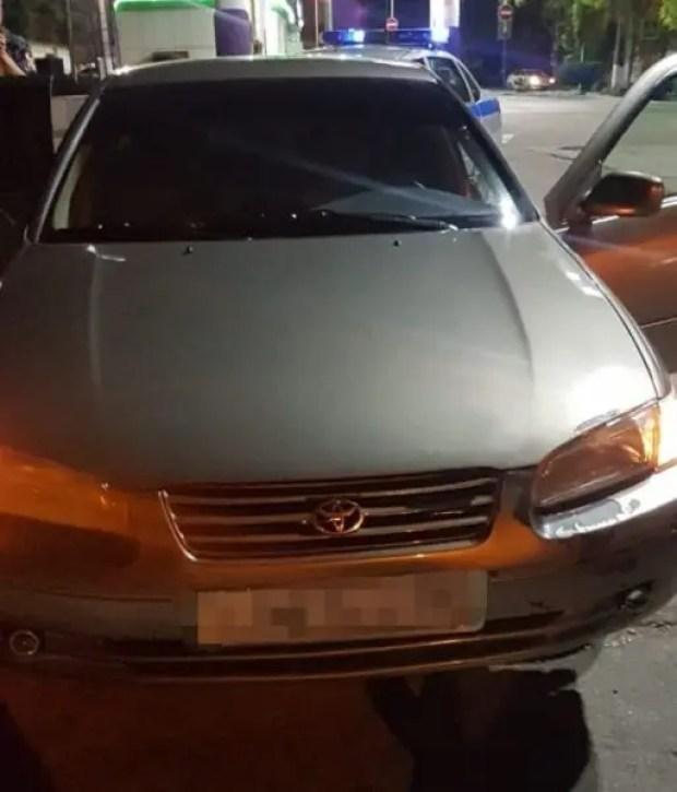 """Сотрудники Росгвардии в Севастополе задержали мужчину, """"забывшего"""" вернуть авто её владелице"""