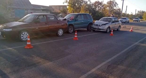 Тройное ДТП в Кировском районе Крыма, пострадала женщина-водитель