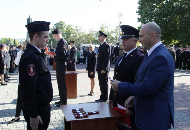В Севастополе 145 учеников кадетского класса УМВД дали торжественную Клятву кадета