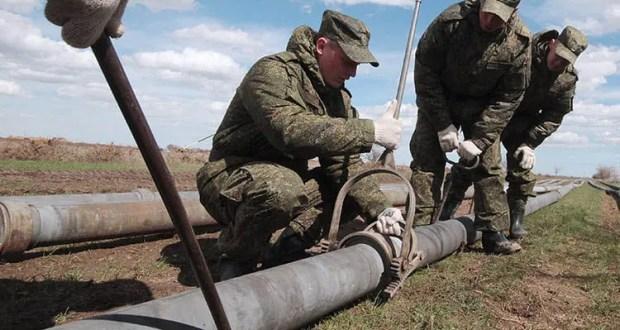 Военные строители завершают прокладку магистрального водопровода в Крыму