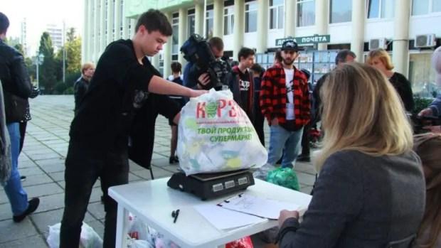 В Ялте нашли надежный стимул для очистки города от «мусорной» рекламы – деньги