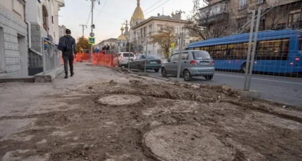 На улице Большая Морская идут подготовительные работы к реконструкции