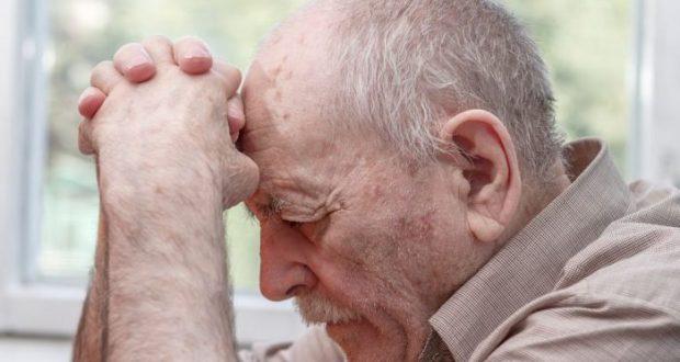 """В Севастополе мужчина обворовал пенсионера, придумав """"киношную историю"""""""