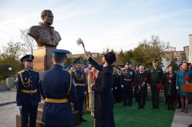 В Евпатории открыли памятник Герману Титову – советскому «Космонавту номер два»