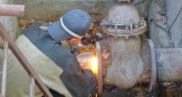 Авария на сетях в Симферополе: до понедельника без отопления остались десятки жилых домов