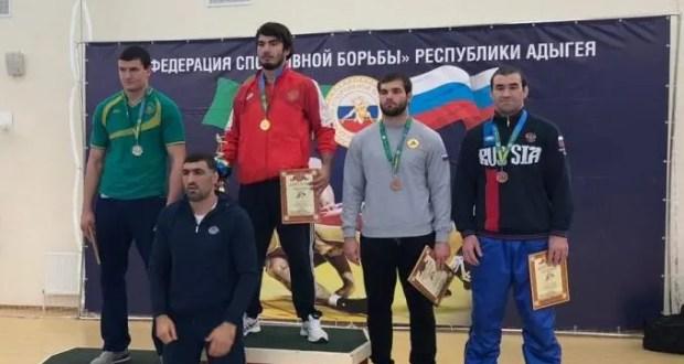 Азамат Сеитов из Севастополя - чемпион ЮФО по греко-римской борьбе