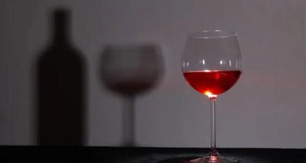 Виноделам Крыма и Севастополя разрешат продавать алкоголь на вокзалах и в аэропортах