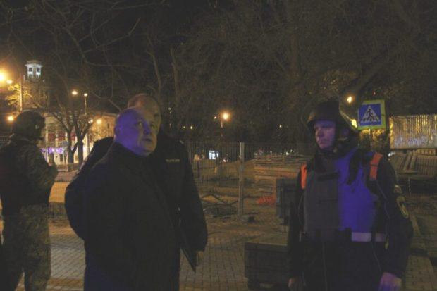 Вечернее ЧП в центре Севастополя - рабочие обнаружили бомбу