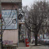 В Симферополе на улице Александра Невского демонтируют незаконные сети