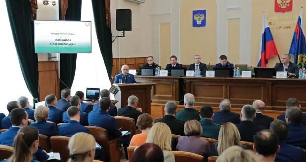 Глава Крыма призвал прокуратуру усилить борьбу с самовольными стройками