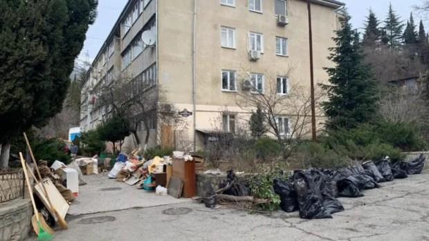 3,5 тысячи участников, 170 кубометров мусора - результаты субботника в Ялтинском регионе