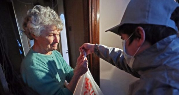 В Крыму действует Единый штаб круглосуточной горячей линии для помощи пожилым людям
