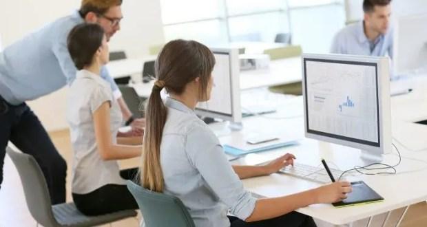 """Умение работать с Microsoft Office, Outlook Express и CorelDRAW может """"сделать"""" карьеру"""