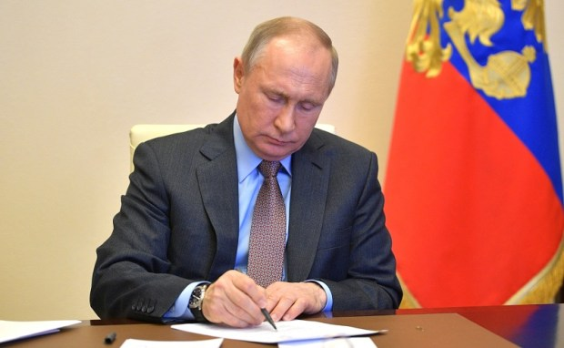 Проблема распространения коронавируса уходит из Москвы в другие регионы
