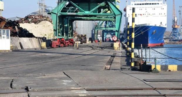 Керченский морской торговый порт продолжает свою деятельность