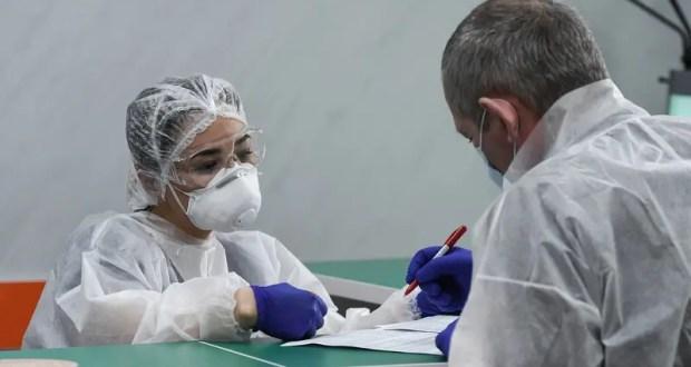 В Крыму еще 13 случаев заражения коронавирусом. Республика вплотную подошла к отметке «300»