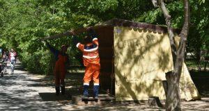 В Симферополе сносят очередные нелегальные НТО