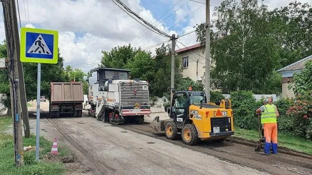 Строители трассы «Таврида» приступили к ремонту дорог в Ленинском районе Крыма