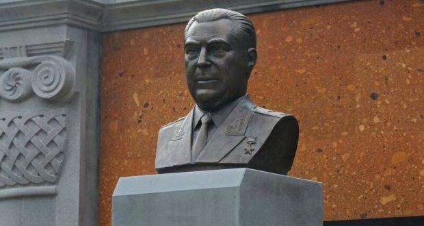 В Крыму открыли памятник Герою Советского Союза Ашоту Аматуни