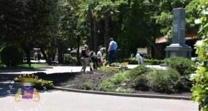 В Ялте завершили ремонт памятного знака в сквере Калинина
