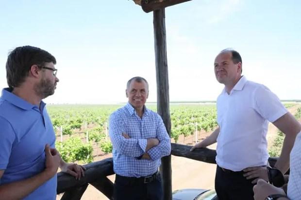 Спикер Госсовета Республики Крым Владимир Константинов посетил агропредприятия Сакского района