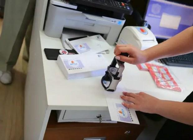 95-летие «Артека» запечатлели на уникальных маркированных конвертах