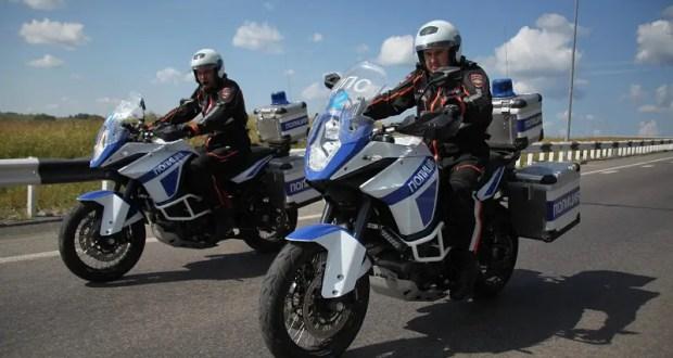 В Ялте сотрудники полицейского мотопатруля задержали нетрезвого водителя мотоцикла