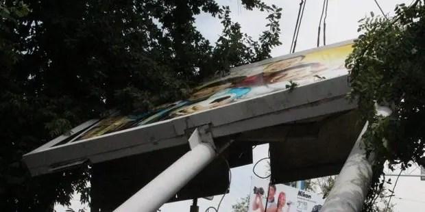 Власти Симферополя намерены все незаконные рекламные конструкции отправить под снос