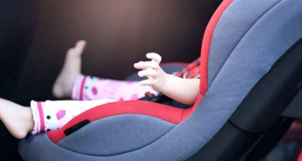 Спасатели освободили годовалого ребенка из закрытого автомобиля на парковке в Симферополе