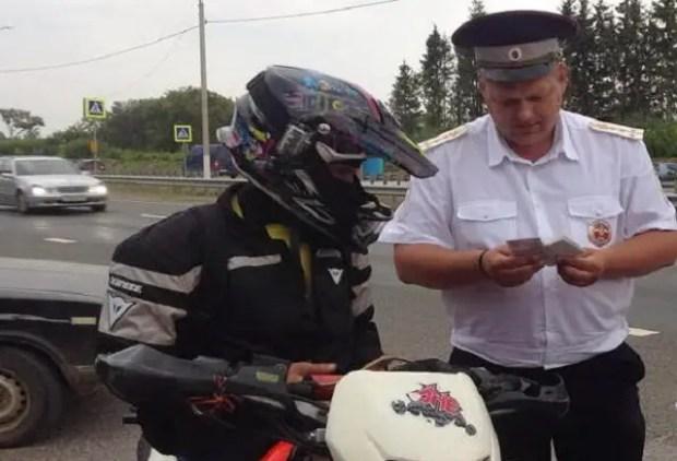 В Крыму сотрудниками Госавтоинспекции продолжают проводить операцию «Мотоциклист»