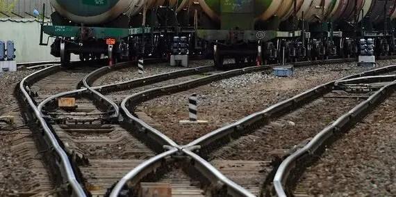 Пломб ГЛОНАСС на железнодорожных вагонах, следующих в Крым, не будет
