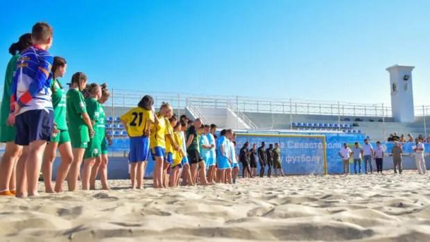 В эти выходные - финальные матчи Кубка губернатора Севастополя по пляжному футболу
