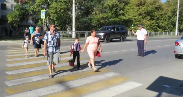 В Крыму сотрудники ГИБДД усилили контроль движения на пешеходных переходах вблизи школ