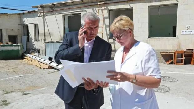 Сергей Аксёнов проверил объекты строительства и реконструкции в Евпатории