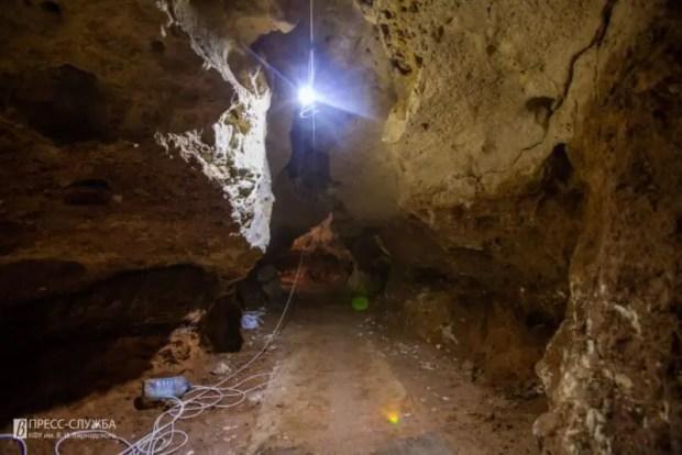 В пещере «Таврида» идут строительные и научные работы