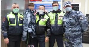 Сотрудники Госавтоинспекции в Керчи вернули заблудившегося ребенка родителям
