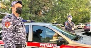 И пивным бокалом... Конфликт посетителей и администратора в одном из караоке-баров Севастополя