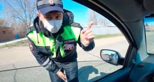 Водителям рекомендуют надевать маски, а вот таксистов в Крыму за отсутствие масок штрафуют