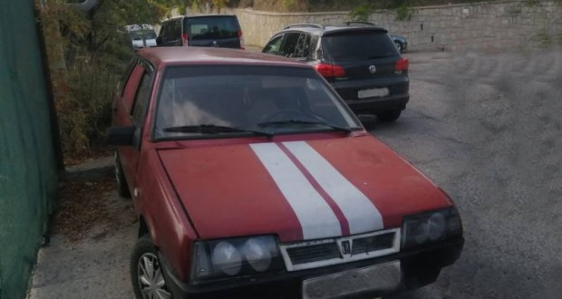 В Ялте «по горячим следам» поймали водителя, скрывшегося с места ДТП