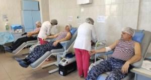 В Севастополе росгвардейцы сдавали донорскую кровь